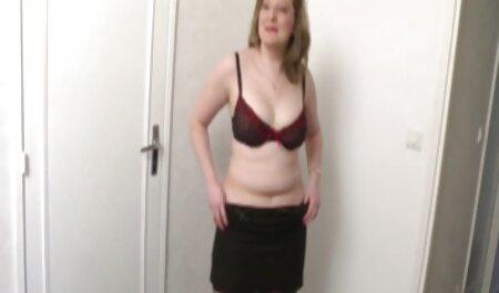 Jeune fille maigre rebondit sauvagement sur un pénis porno américain moins de 18 ans mature qui fait rage