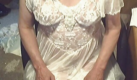 Gymslip Culotte En Satin Et Bas Blancs film porno trio français